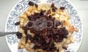 Штрудель с грушами, яблоками и изюмом рецепт шаг 9