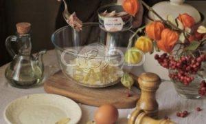 Слоеный пирог с тунцом и рисом рецепт шаг 5