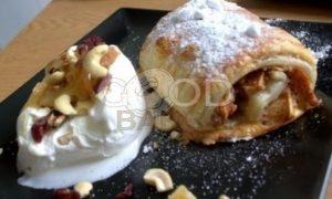 Слойки с яблоками и пломбиром рецепт шаг 1