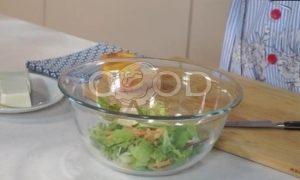 Свежий салат с индейкой, персиками и фетой рецепт шаг 2