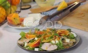 Свежий салат с индейкой, персиками и фетой рецепт шаг 5