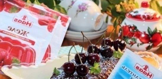 Торт с клубничным желе и шоколадом кулинарный рецепт
