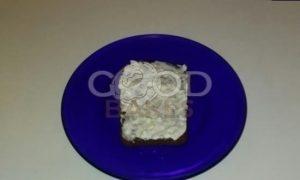 Тосты из черного хлеба со сметаной и чесноком рецепт шаг 5