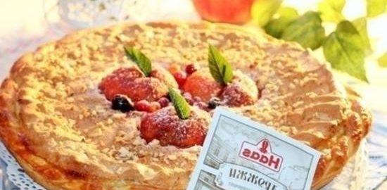 Вкусный пирог с персиками и безе кулинарный рецепт