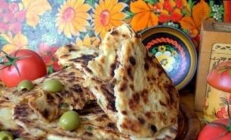 Лепешки с томатами и оливками кулинарный рецепт