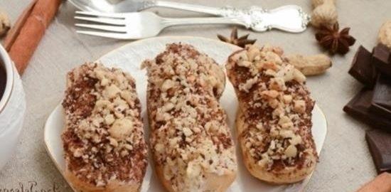 Эклеры с заварным кремом и кремом «Коровка» кулинарный рецепт
