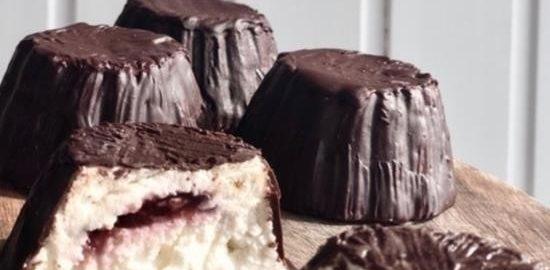 Глазированные сырки с малиновым джемом кулинарный рецепт