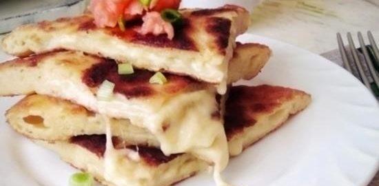 Картофельные лепешки с сыром кулинарный рецепт