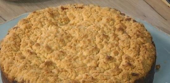 Пирог с клюквой и шоколадом под сливочной корочкой кулинарный рецепт