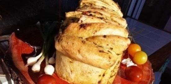 Чесночный отрывной хлеб со свежей зеленью кулинарный рецепт