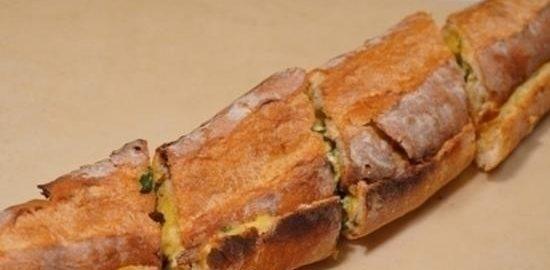 Закрытый горячий бутерброд со шпинатом и сыром кулинарный рецепт