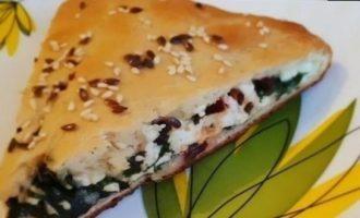 Осетинский пирог со свекольными листьями и адыгейским сыром кулинарный рецепт