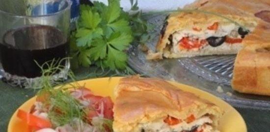 Средиземноморский пирог с курицей и перцем кулинарный рецепт