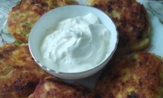 Сырники с кабачками и сыром кулинарный рецепт
