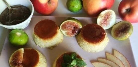 Яблочно-карамельный десерт с инжирным соусом кулинарный рецепт