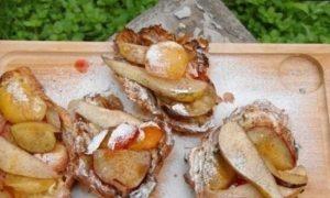 Круассаны с фруктами на гриле кулинарный рецепт