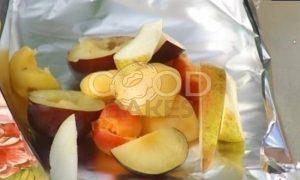 Круассаны с фруктами на гриле рецепт шаг 1