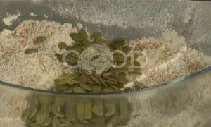 Маффины с инжиром и тыквенными семечками рецепт шаг 3