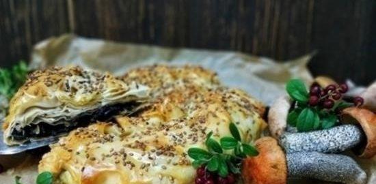 Пирог из теста фило с лесными грибами кулинарный рецепт