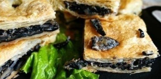 Пирог с лесными грибами кулинарный рецепт