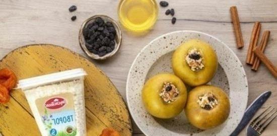 Запеченные яблоки с творогом и сухофруктами кулинарный рецепт