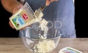 Запеченные яблоки с творогом и сухофруктами рецепт шаг 3