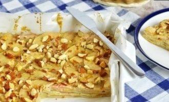 Яблочный пирог с миндалем кулинарный рецепт