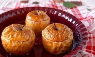 Яблоки, запеченные с творогом кулинарный рецепт