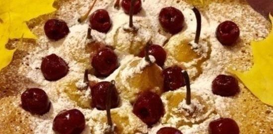 Пирог «Краски осени» с грушами и вишней кулинарный рецепт