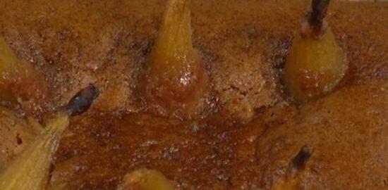 Миндально-финиковый пирог с томленными в сиропе грушами кулинарный рецепт