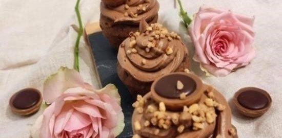 Шоколадные капкейки с пралине кулинарный рецепт