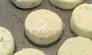 Сырники с зеленью и сыром рецепт шаг 6