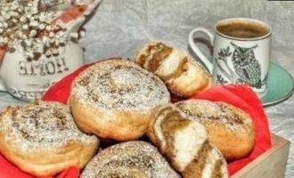 «Улитки» с курагой и грецкими орехами кулинарный рецепт