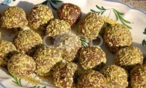 Веганские трюфели из фиников с кешью и фисташками рецепт шаг 6