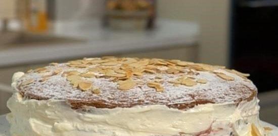 Бисквитный торт с вареньем из крыжовника кулинарный рецепт