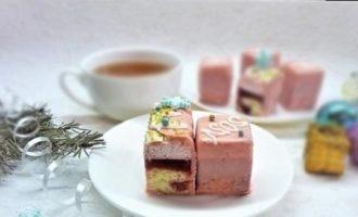 Нарезное пирожное «Клубника-пломбир» кулинарный рецепт