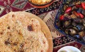 Цельнозерновые лепешки с затаром кулинарный рецепт