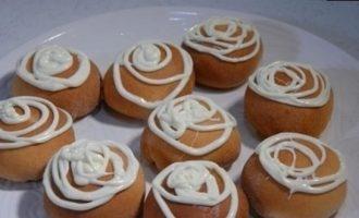 Пончики с вареньем из грецких орехов кулинарный рецепт