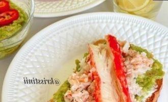 Тост с гуакамоле кулинарный рецепт